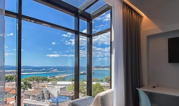 Deluxe Suite, Balcony, Sea View