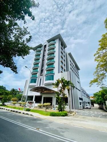. Langkawi Seaview Hotel