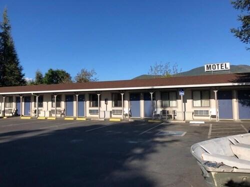 . Kelseyville Motel
