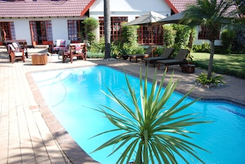 Hotel - Journey's Inn Africa Guest Lodge
