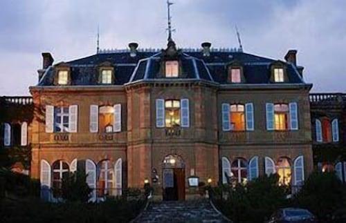 . Château de Larroque