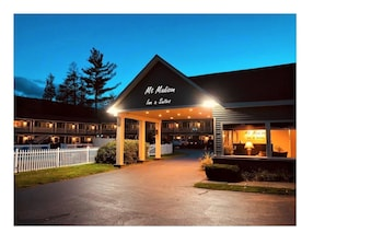 Hotel - Mt Madison Inn & Suites