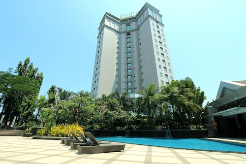 . Java Paragon Hotel and Residences