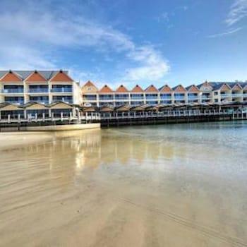Dolphin Quay Apartments