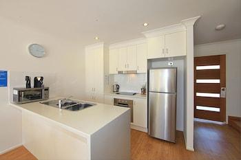 Alexandra Apartments - In-Room Kitchen  - #0