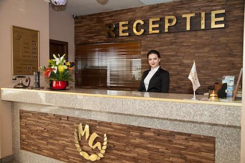 . Hotel Megalos