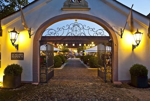 . Hotel Schloss Reinach