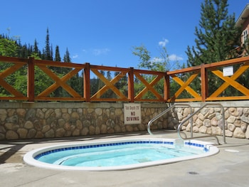 Fireside Lodge by Bear Country - Outdoor Spa Tub  - #0