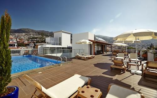 . Hotel Madeira