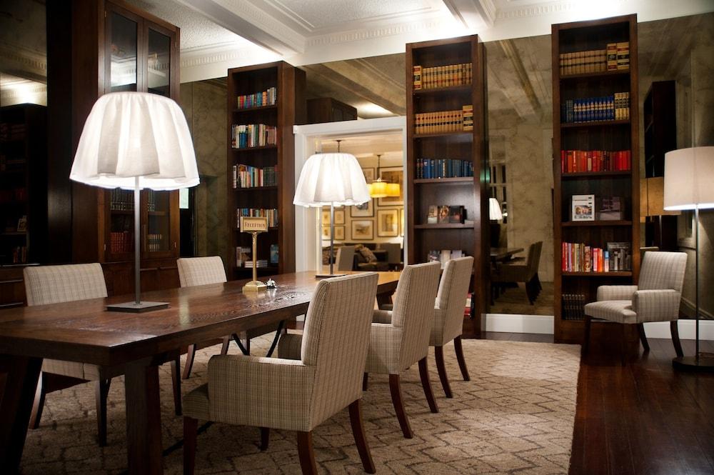 페퍼스 미네랄 스프링스 호텔(Peppers Mineral Springs Hotel) Hotel Image 28 - Reception