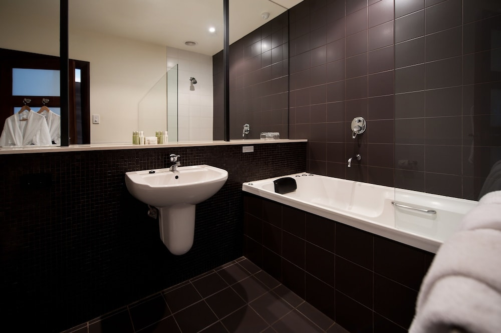 페퍼스 미네랄 스프링스 호텔(Peppers Mineral Springs Hotel) Hotel Image 33 - Bathroom