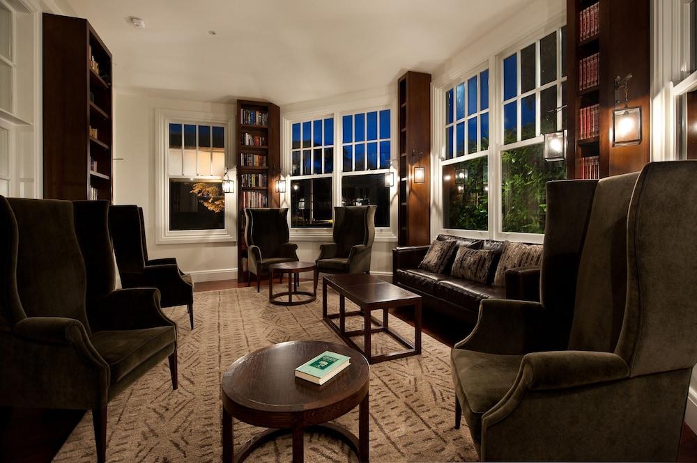페퍼스 미네랄 스프링스 호텔(Peppers Mineral Springs Hotel) Hotel Image 51 - Library