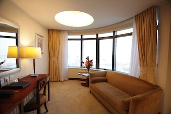 ホテル ゴールデン ドラゴン