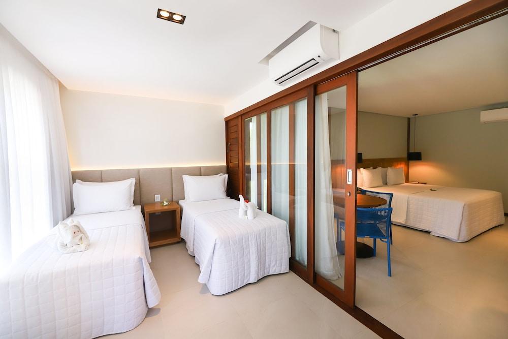 https://i.travelapi.com/hotels/4000000/3900000/3894000/3893922/1c7c7674_z.jpg