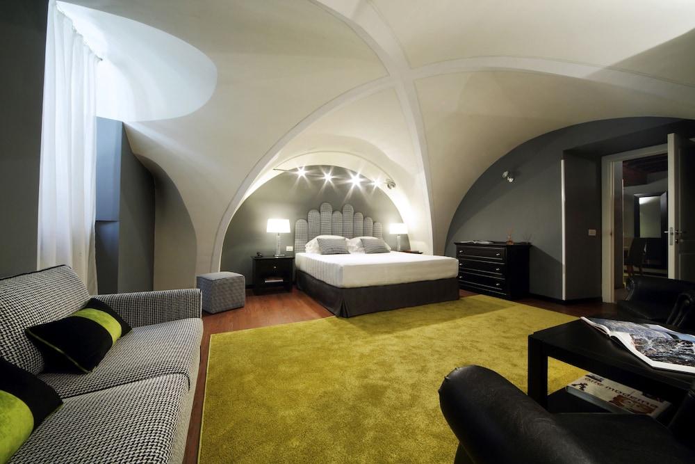 더 텔레그래프 스위트(The Telegraph Suites) Hotel Image 10 - Guestroom