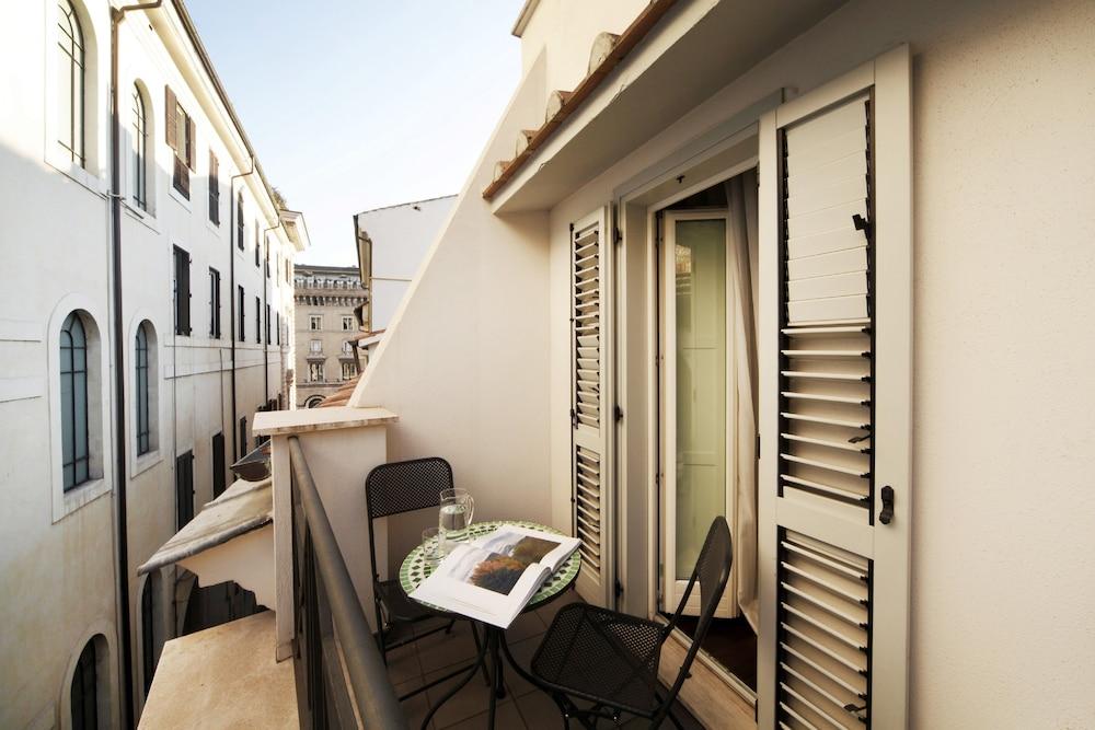 더 텔레그래프 스위트(The Telegraph Suites) Hotel Image 24 - Balcony