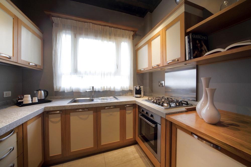 더 텔레그래프 스위트(The Telegraph Suites) Hotel Image 15 - In-Room Kitchen