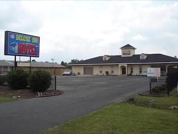 Hotel - Deluxe Inn Motel