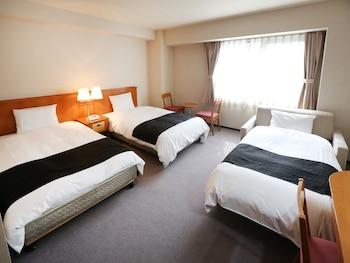 トリプルルーム シングルベッド 3 台 禁煙|26㎡|アパホテル〈札幌〉
