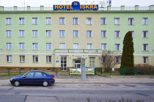 . Hotel Iskra
