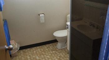 The Waratah Hotel - Bathroom  - #0