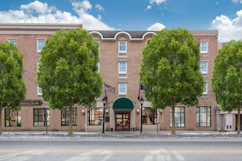 Hotel - Clarion Hotel & Suites University - Shippensburg