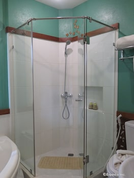 Amarela Resort Bohol Bathroom Shower