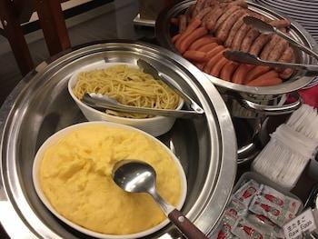 APA HOTEL KOBE-SANNOMIYA Food and Drink