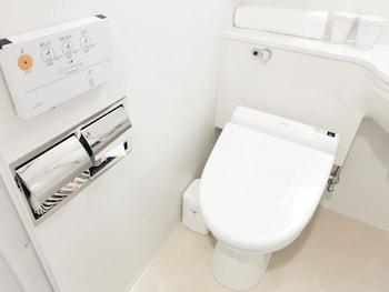 APA HOTEL HIROSHIMA-EKIMAE Bathroom