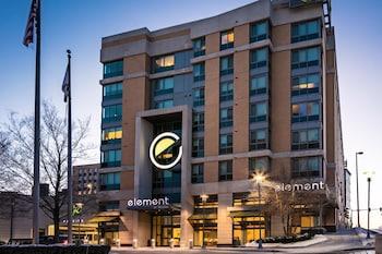 馬哈城隧道元素飯店 Element Omaha Midtown Crossing