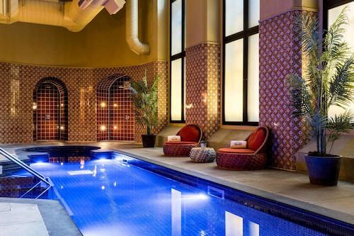 . St. Pancras Renaissance Hotel London