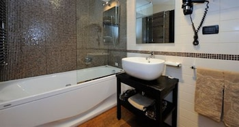 Hotel Principi di Piemonte Sestriere - Bathroom  - #0