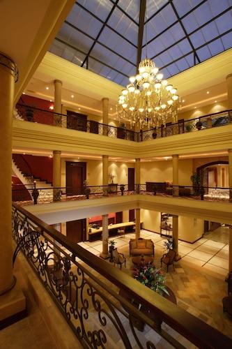 . Grand Victoria Boutique Hotel