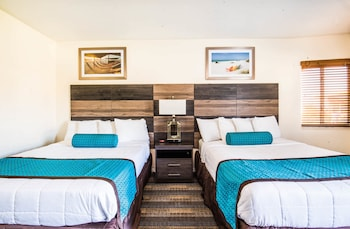 Standard Room, 2 Queen Beds, Beach View
