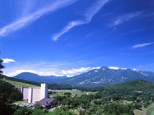 . APA Hotel & Resort Jyoetsu Myoko