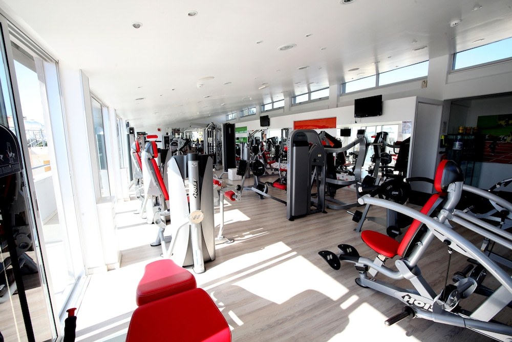 Health and Fitness : Gym 53 of 64