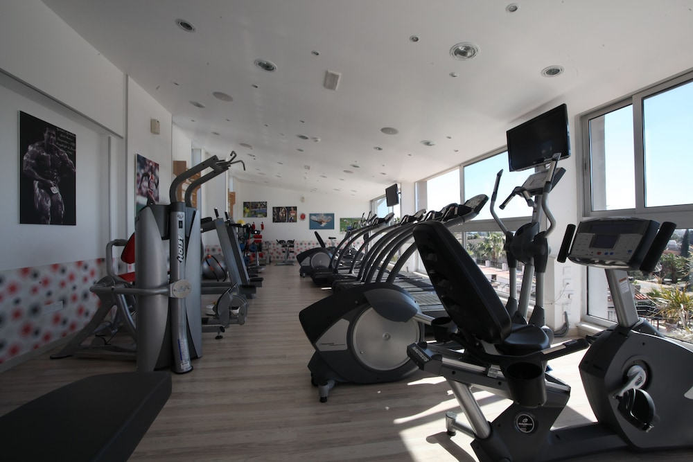 Health and Fitness : Gym 51 of 64