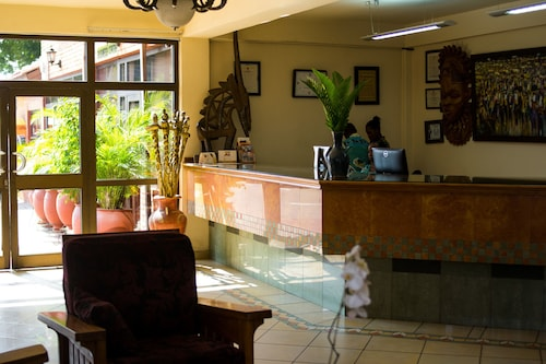 Coconut Grove Regency Hotel, Accra