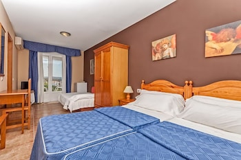 Family Room, Balcony, Partial Sea View (2 adults and 2 children)