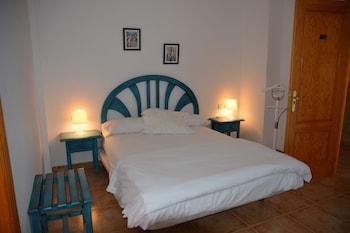 Single Room, Balcony, Partial Sea View