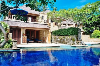 Pool Villa Club (Lagoon Swimming Pool with Private Jacuzzi)