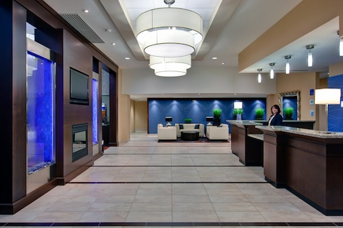 . Holiday Inn Express & Suites Chatham South, an IHG Hotel