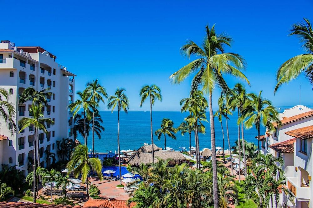 Plaza Pelicanos Grand Beach Resort All Inclusive Puerto Vallarta Jose Clemente Orozco 131 48300
