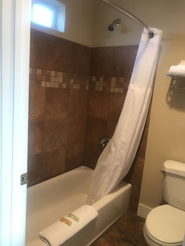 Morgan Inn And Suites - Bathroom  - #0
