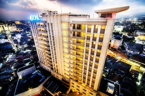 . Aston Braga Hotel & Residence Bandung