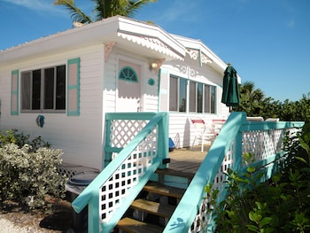 Hotel - Gulf Breeze Cottages