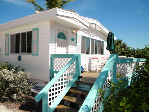 . Gulf Breeze Cottages