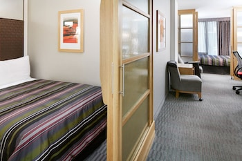 Deluxe Suite, 2 Bedrooms, Kitchenette