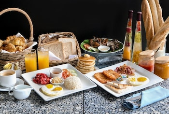 The B Hotel Manila Breakfast Meal
