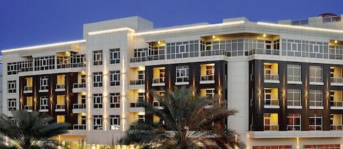 . TIME Grand Plaza Hotel, Dubai Airport